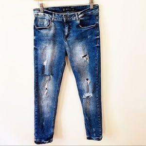 Zara Trafaluc Super Distressed Medium wash Jean 4
